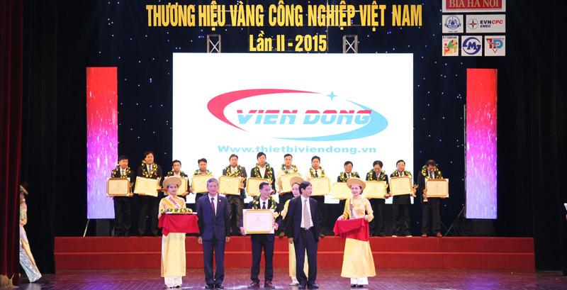 Viễn Đông nhận cúp vàng thương hiệu Việt
