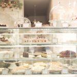 4 mẹo bày trí cửa hàng bánh kem đẹp mắt
