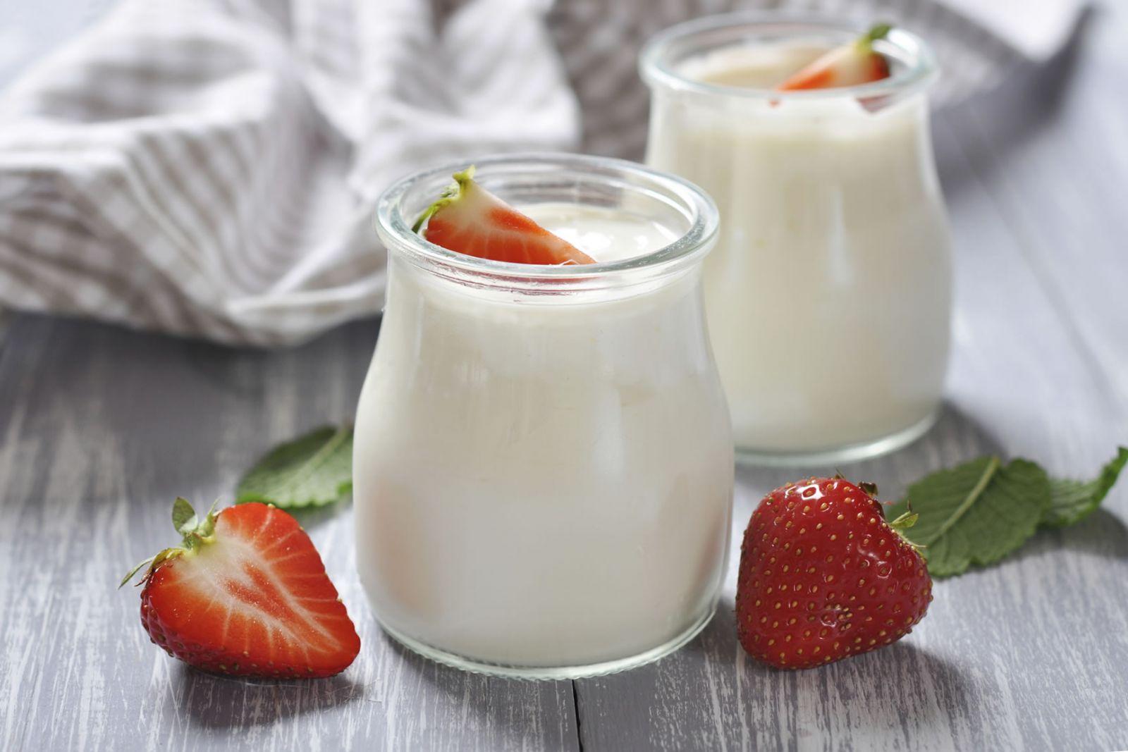 uống sữa buổi sáng