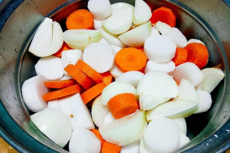 cà rốt và củ cái trắng